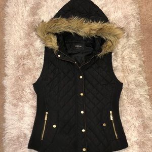 Active USA size small vest
